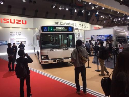 ISUZUのバス