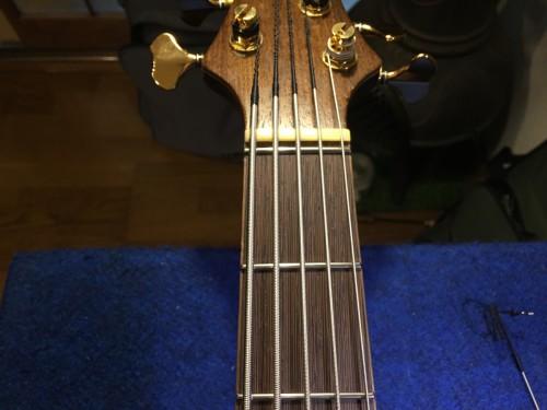 1弦の溝位置