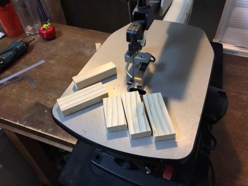 端材をカット