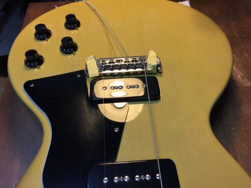 1弦と6弦の位置を決める